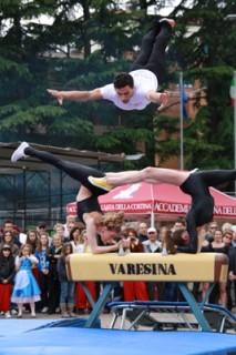 IMG 1933 213x320 Esordio al Palio Bosino per i Balòss della Varesina  neonato gruppo acrobatico di ginnastica artistica e ritmica.