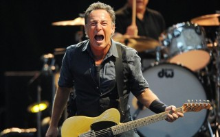 bruce springsteen 320x200 The Boss is back: indimenticabile concerto di Bruce Springsteen eThe E Street band ieri sera a Milano.