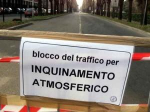 blocco-del-traffico-smog-inquinamento