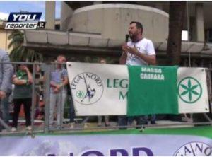 Salvini durante il comizio