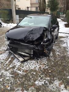 L'auto distrutta nell'incidente
