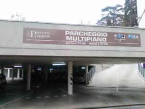 L'ingresso del parcheggio multipiano