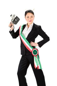 Jle, la pin-up sindaco Cortisonici