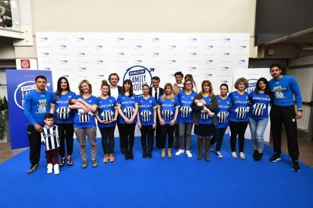 Le 20 donne con magliette personalizzate