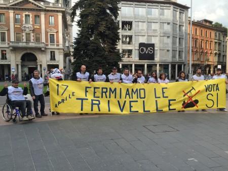 Il flashmob in Piazza Montegrappa