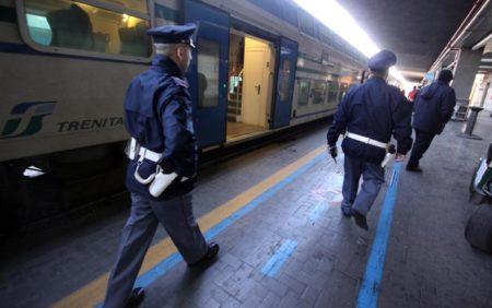 Agenti della Polfer in azione