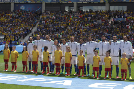 UEFA_EURO2016_PlayerEscort_McDonald's_Match19_Italy-Sweden_Toulouse