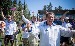 L'esultanza dei coach, del presidente e dello staff dopo la vittoria dello spareggio