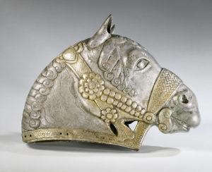 Testa di cavallo, IV secolo d.C, argento dorato, proveniente dal Louvre
