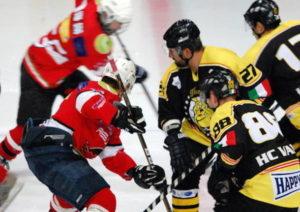hockey-club-varese-mastini-feltreghiaccio-2014-2015-429941.610x431