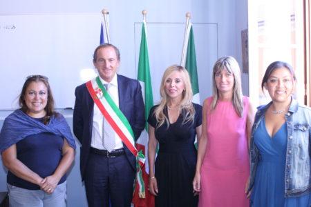 Il sindaco Antonelli con il console messicano e l'assessore