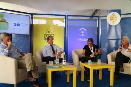 Stefano Berni, Direttore Generale del Consorzio Grana Padano, il Prof. Claudio Maffeis, la giornalista Vichi de Marchi e lo chef Danilo Angè.