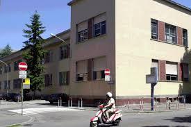 La scuola Bertocchi dove sono avvenuti alcuni furti