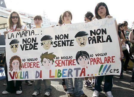 Comune e studenti ricordano le vittime delle mafie